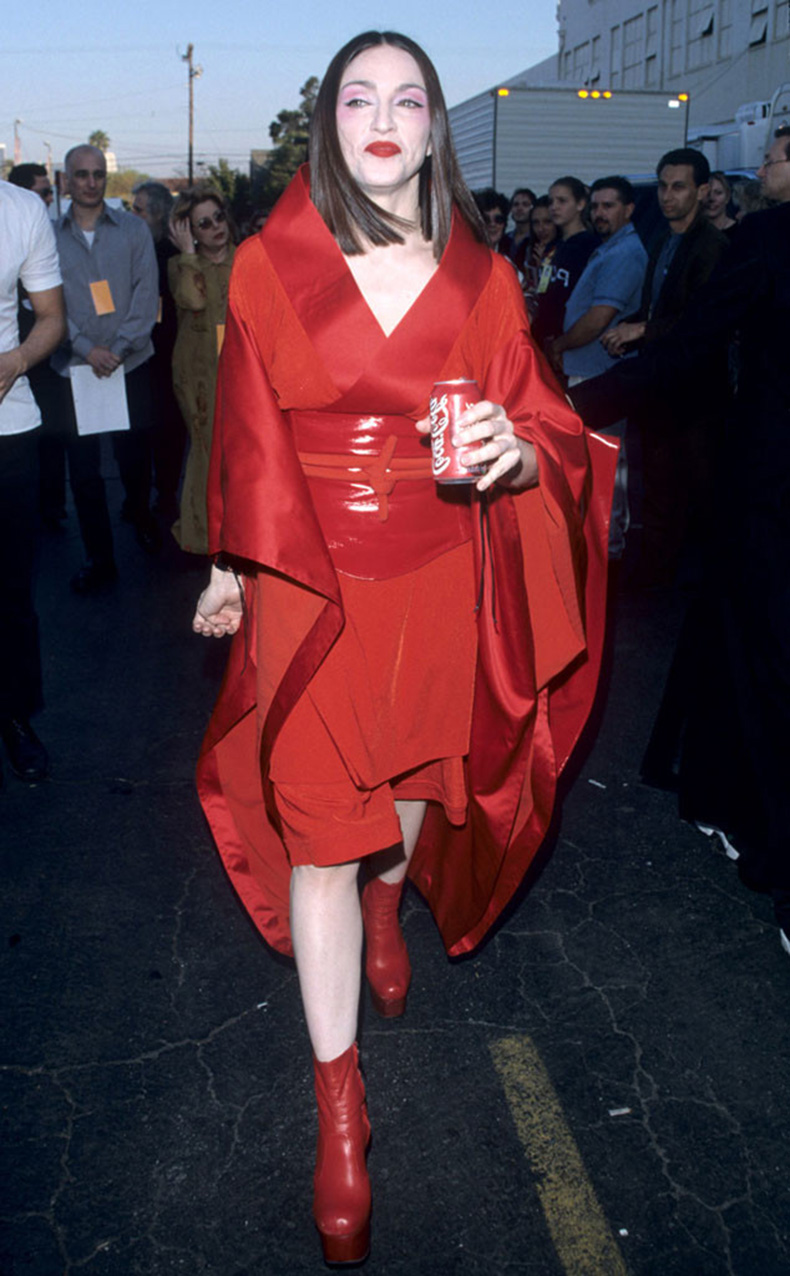 rs_634x1024-150128113313-634-madonna-grammy-looks-1999.jw.12815-1999