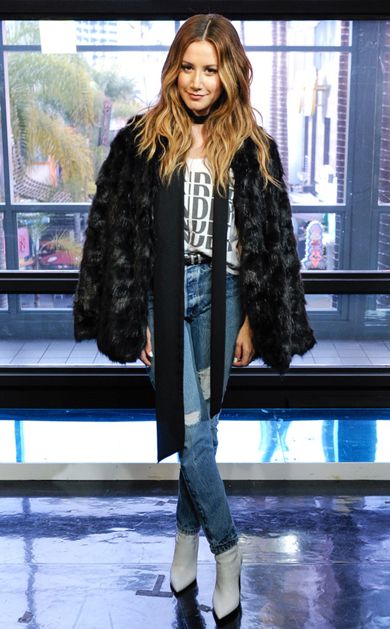 rs_634x1024-160120173144-634.Ashley-Tisdale-Fur-Coat.ms.012016