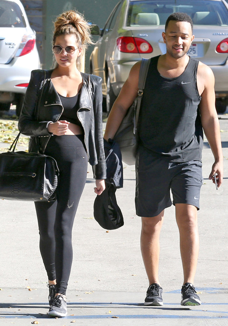 rs_634x905-151123123209-634-chrissy-teigen-john-legend-working-out-gym-112315