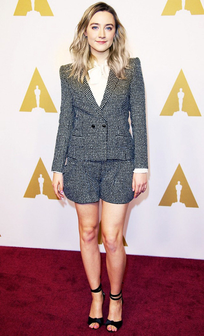 the-new-it-girl-thats-on-every-best-dressed-list-1667528-1456174637.640x0c