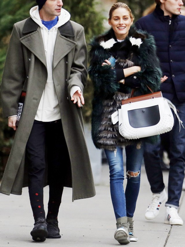 the-styling-trick-olivia-palermo-loves-to-elevate-a-pair-of-jeans-1652129-1455136468.640x0c