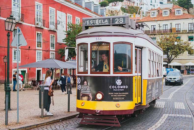 28-tram-lisbon