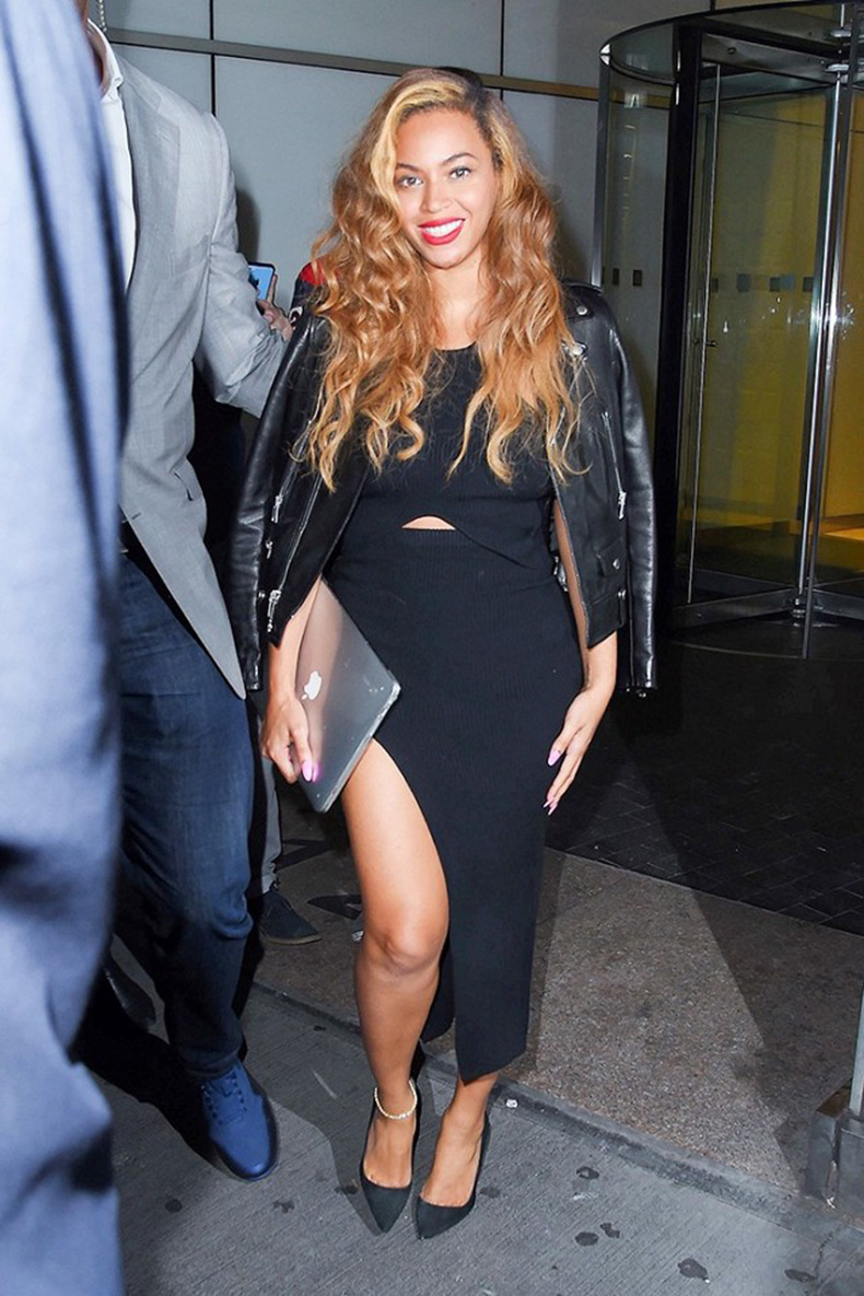 5-celeb-dos-and-donts-for-dressing-over-30-1670050-1456270740.640x0c