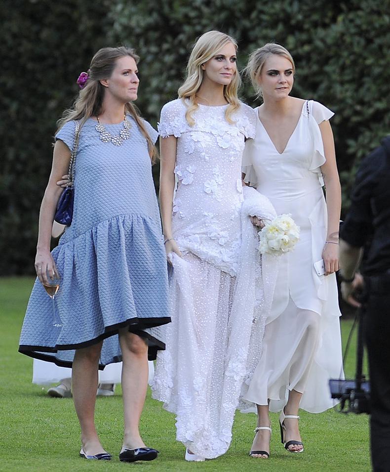 Cara-older-sis-Poppy-has-her-own-fashion-résumé-filled