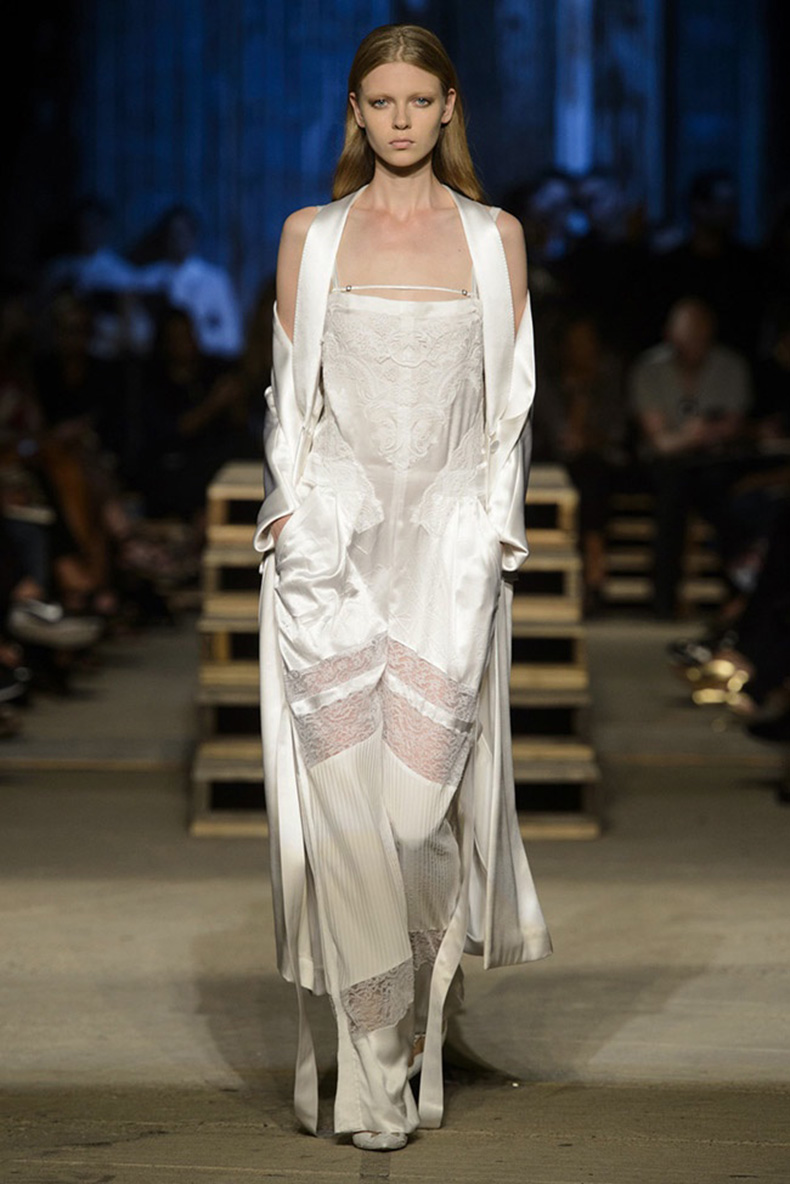Givenchy-Spring-Summer-2016-Runway60