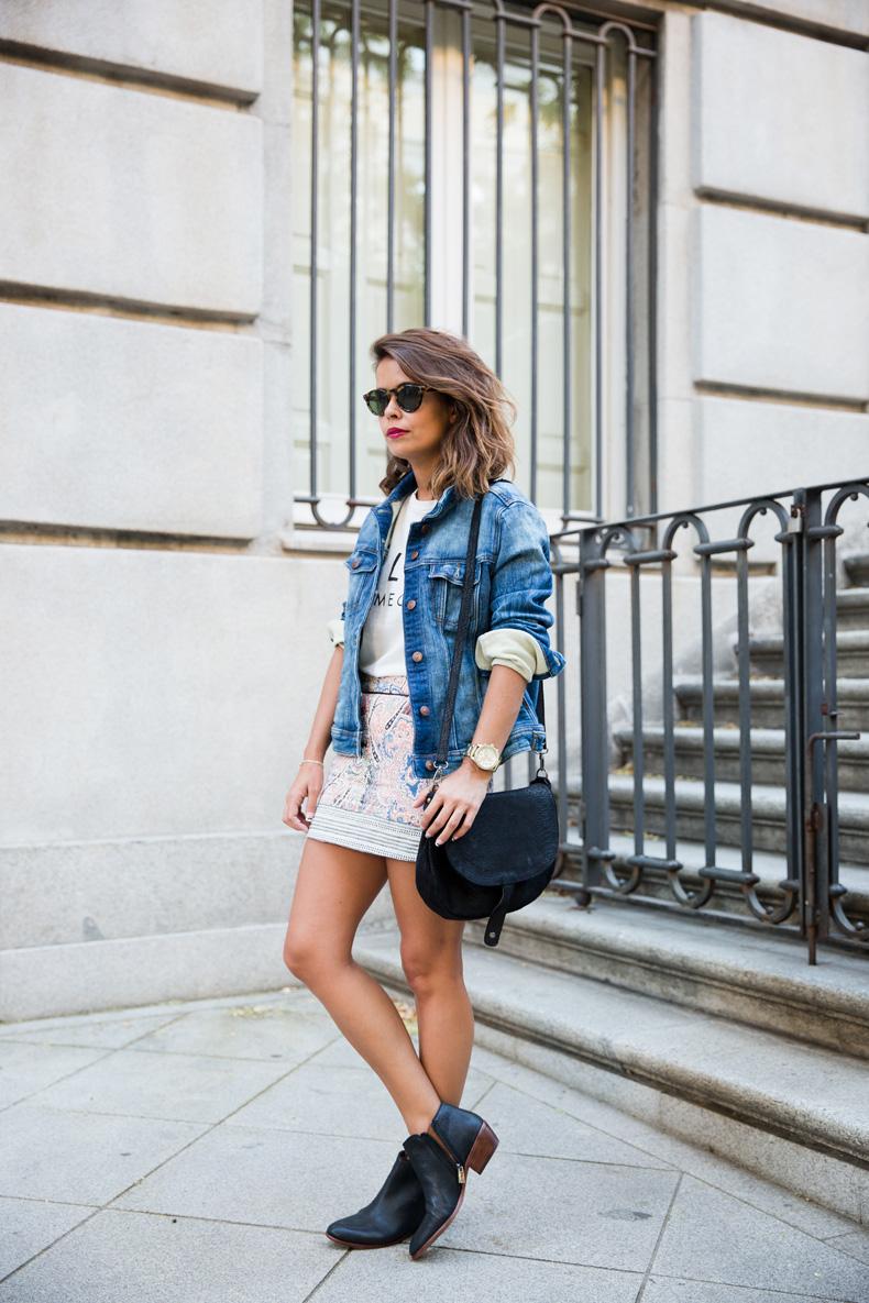 Paisley_Skirt-Bershka-Feline_Top-Denim_Jacket-Epos-Outfit-Street_style-8