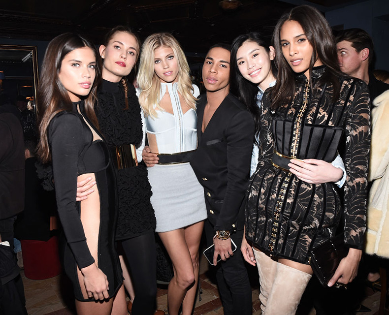 Sara-Sampaio,-Nadja-Bender,-Devon-Windsor,-Olivier-Rousteing,-Ming-Xi,-Cindy-Bruna-en-Balmail-Party