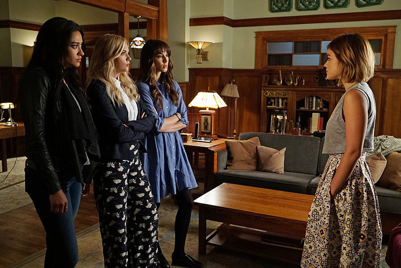 Sorry-girls-All-we-can-see-Aria-skirt-has-pockets