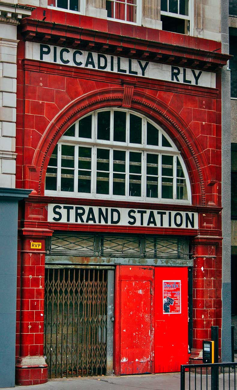 Strand-or-Alwych-Tube-Station-1