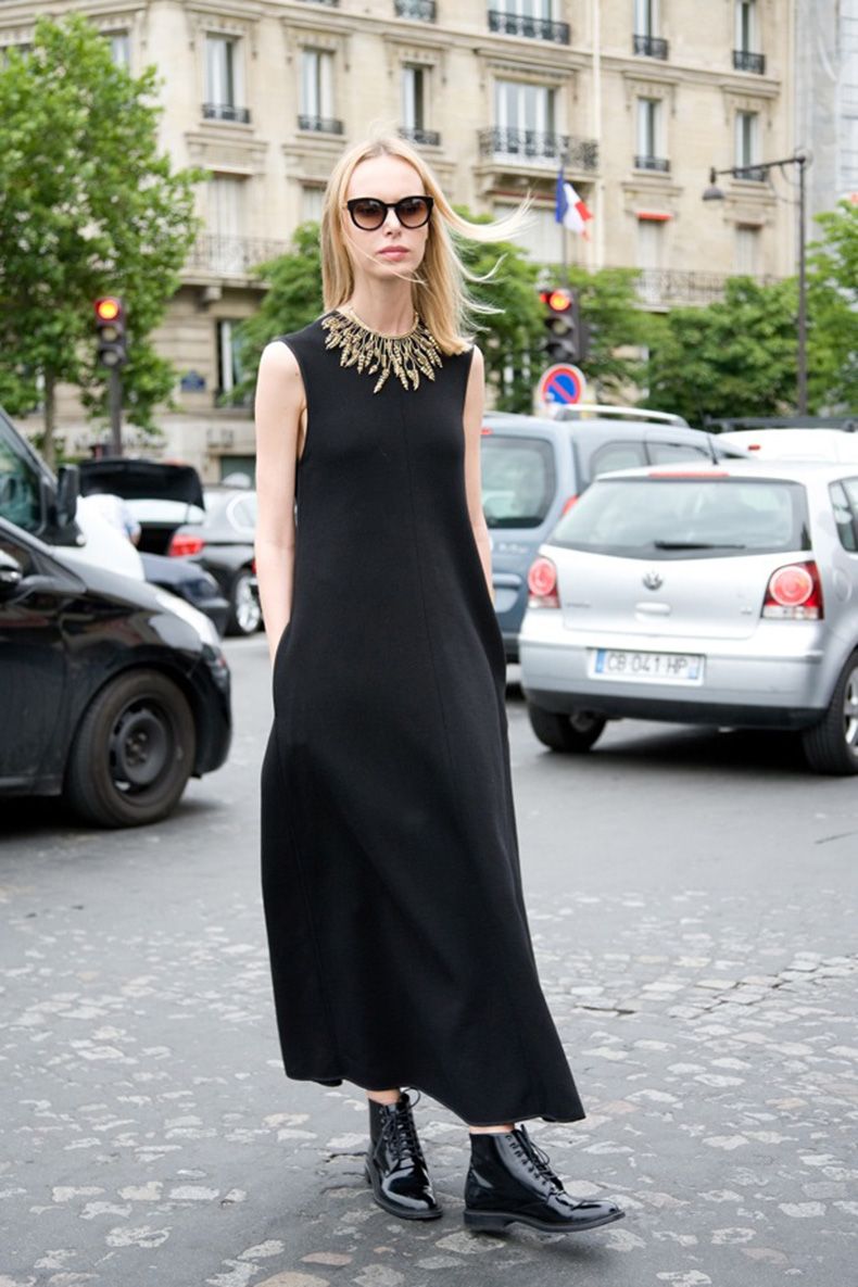 Street-Style-Black-Maxis-+-Flat-Boots-1