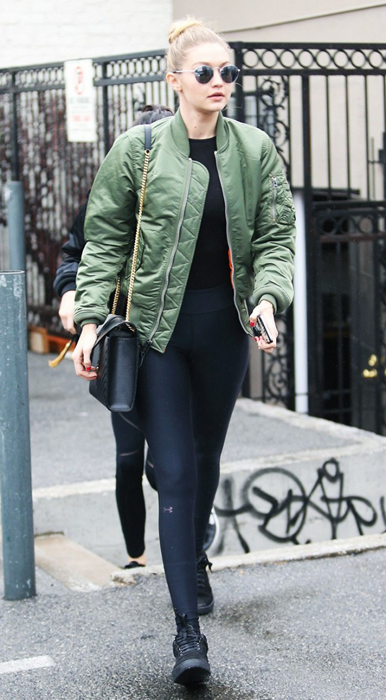 how-to-look-chic-on-the-weekends-according-to-gigi-hadid-1685166-1457131500.640x0c