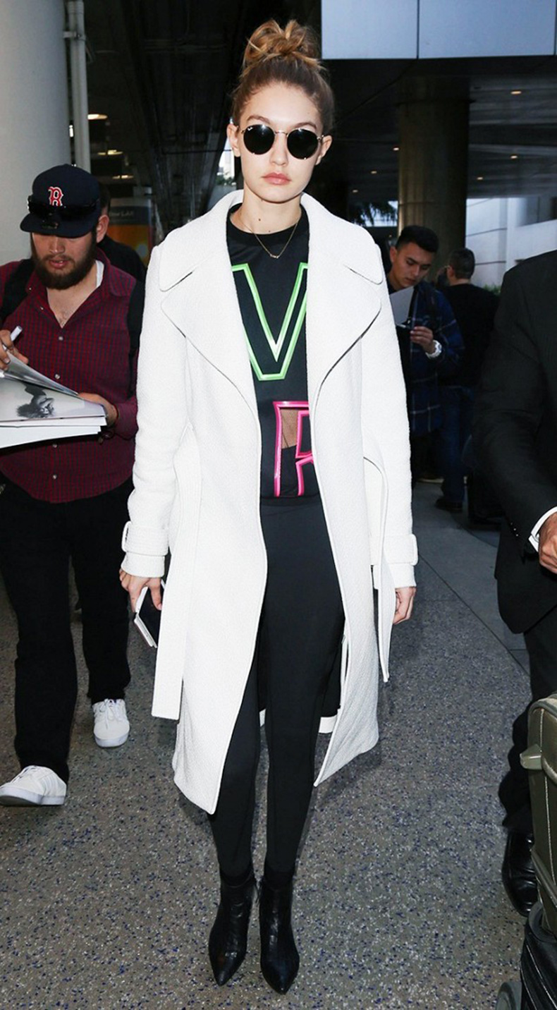 how-to-look-chic-on-the-weekends-according-to-gigi-hadid-1685171-1457131502.640x0c