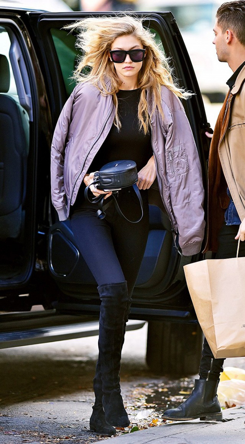 how-to-look-chic-on-the-weekends-according-to-gigi-hadid-1685421-1457135430.640x0c