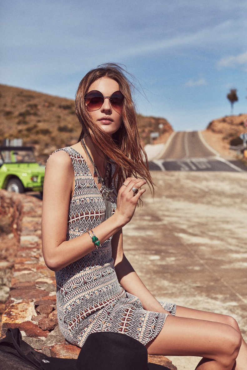 mango-just-planned-all-of-your-coachella-outfits-1699689-1458226178.640x0c