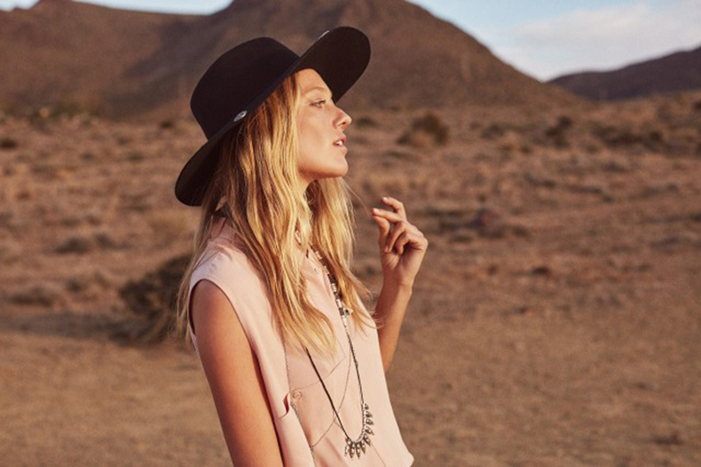 mango-just-planned-all-of-your-coachella-outfits-1699696-1458226183.640x0c