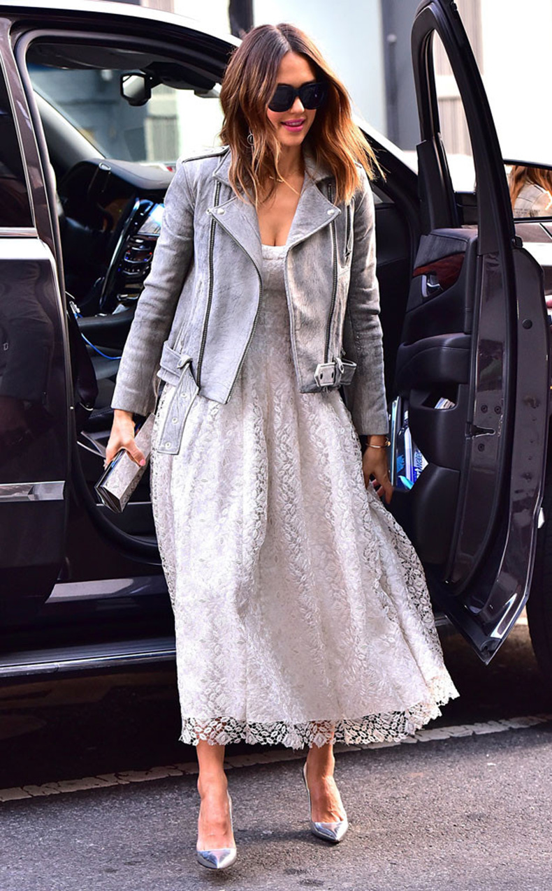rs_634x1024-160310050201-634-Jessica-Alba-NYC-JR-031016
