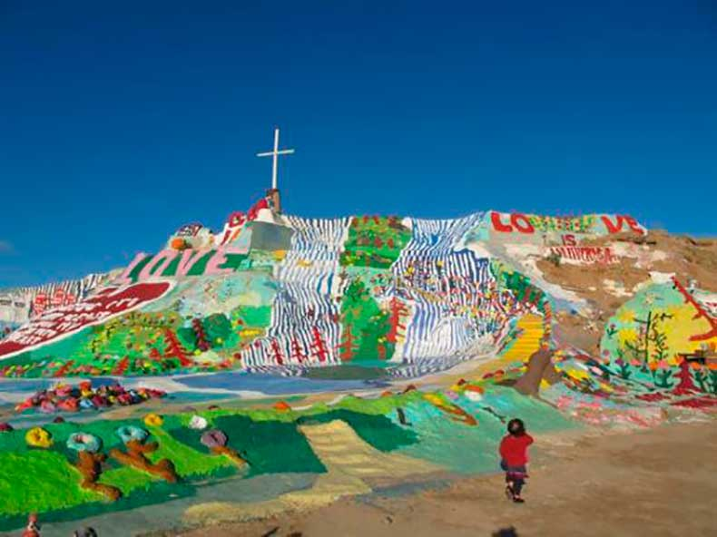 salvation-mountain-ca