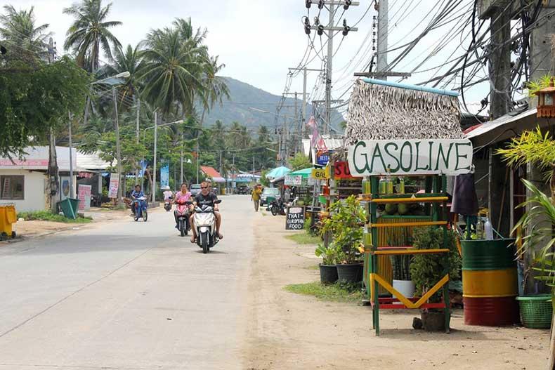 travelettes-top-10-thailand-motorbike