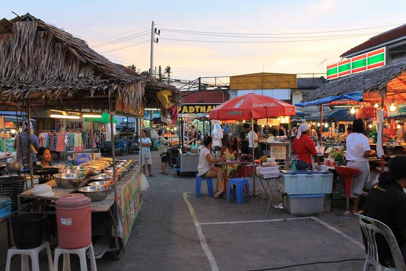 travelettes-top-10-thailand-night-market