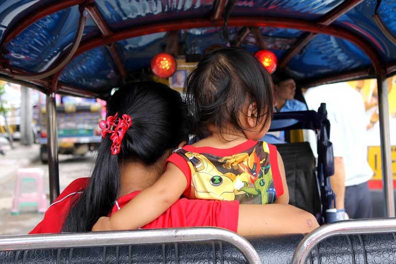 travelettes-top-10-thailand-tuktuk