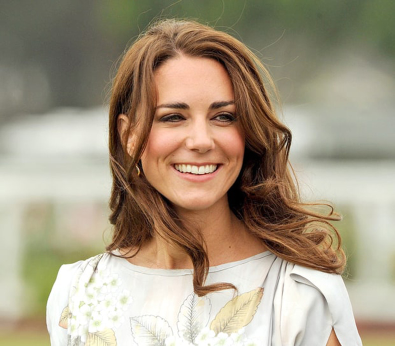 1427899116_kate-middleton-loose-curls-zoom