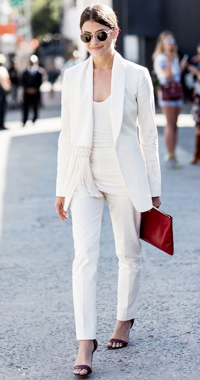 5-backup-items-every-stylish-woman-should-own-1745461-1461603197.640x0c