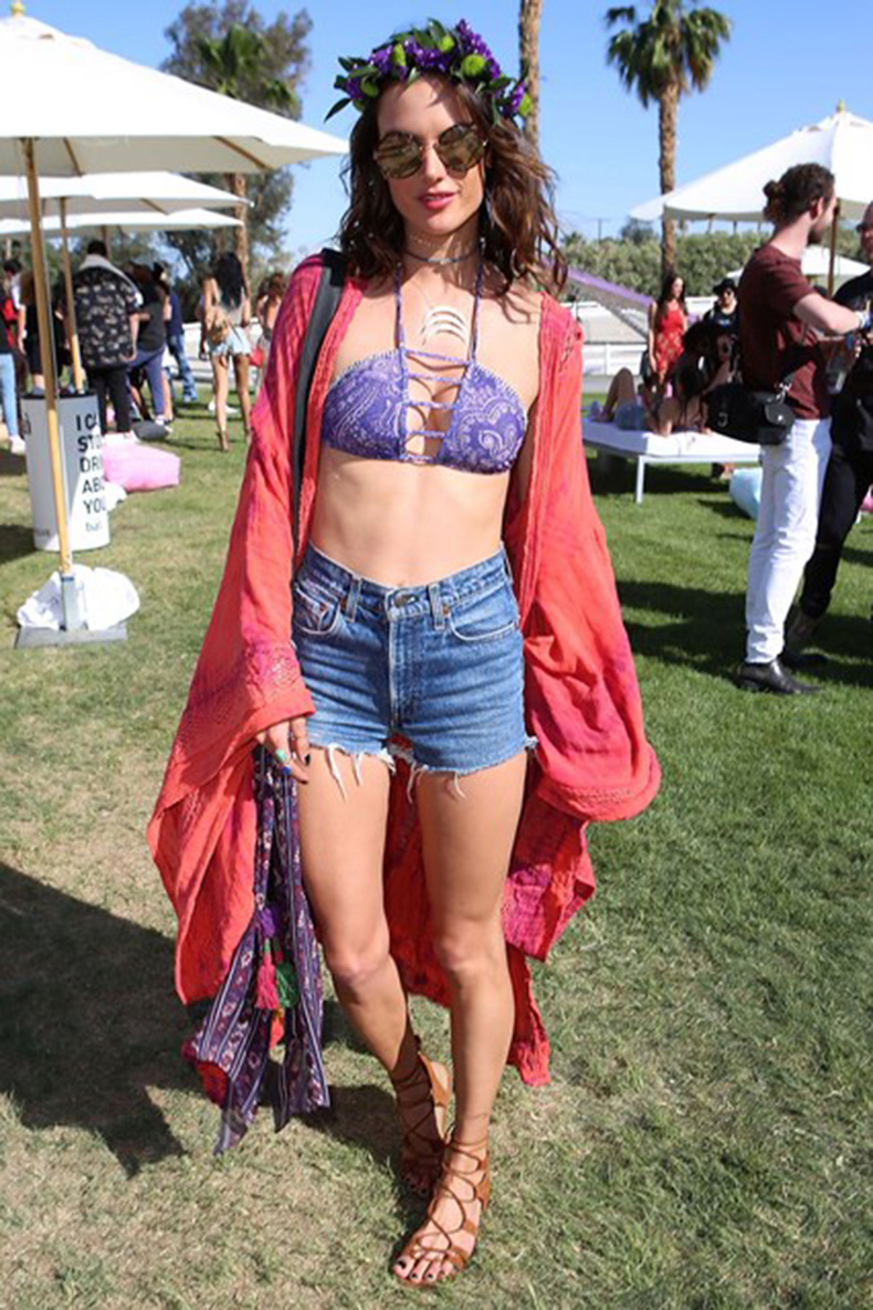 Alessandra-Ambrosio-1-Coachella-2016-Vogue-17April16-Getty_b_426x639_1