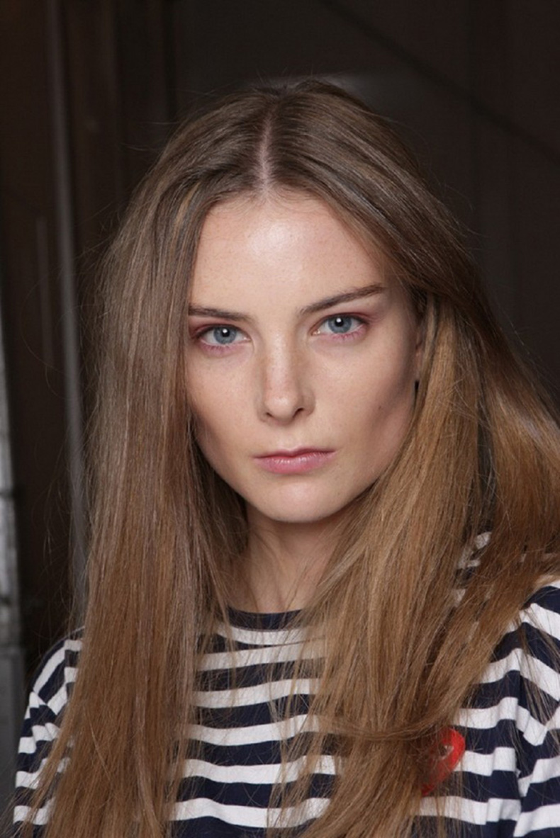 Backstage-Beauty-at-the-Burberry-Prorsum-Spring-2014-RTW-Show-at-London-Fashion-Week_3-684x1024