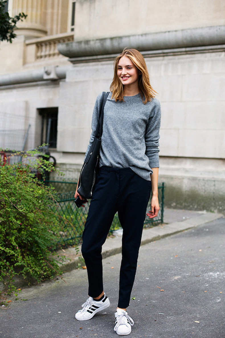 Le-Fashion-Blog-25-Ways-To-Wear-Adidas-Sneakers-Grey-Sweater-Slouchy-Pants-Original-Superstar-Street-Style-Via-Vogue-Spain