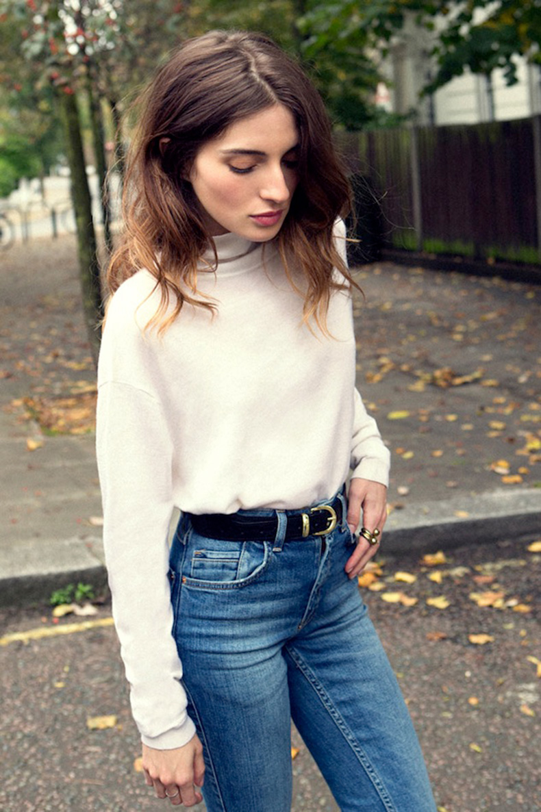 Le-Fashion-Blog-Maria-Valverde-Turtleneck-Sweater-Classic-High-Waisted-Jeans-Belt-Wavy-Hair-Spanish-Actress-Via-Vogue-Spain
