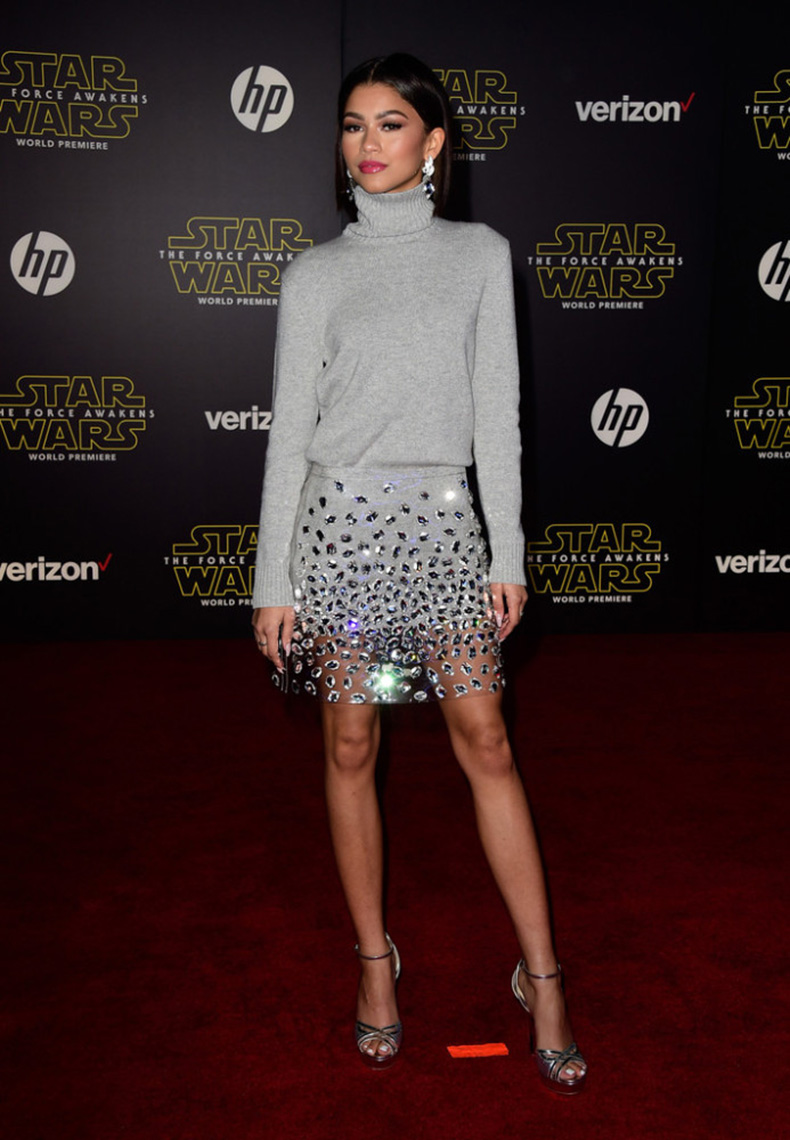 Zendaya-Coleman-Premiere-Star-Wars-Force-Awakens-693x1000