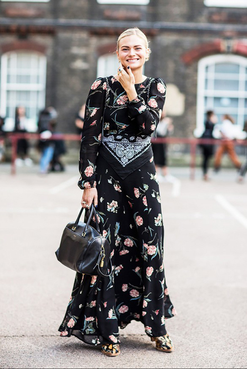 black-dark-florals-long-floral-maxi-dress-bandana-scarf-styling-hac-floral-pshoes-mixed-prints-fall-spring-summer-via-pandora-sykes1