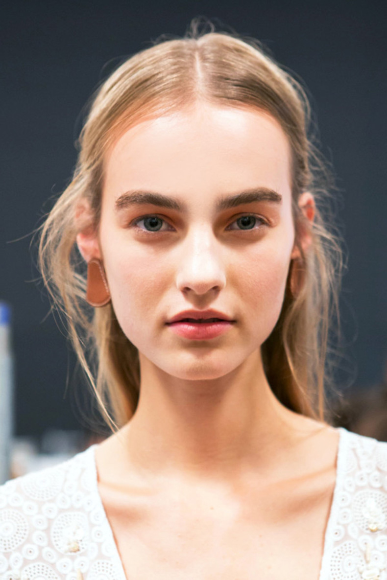 brow-appointment-Altuzarra-Spring16-600x900