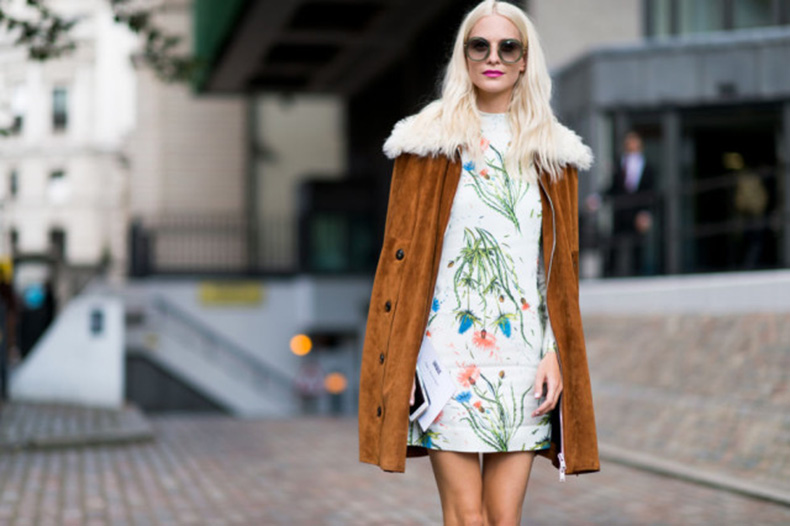 fall-dresses-fall-florals-suede-jacket-fur-shearling-70s-boho-poppy-delevingne-lfw-street-style-elle.com_-640x426