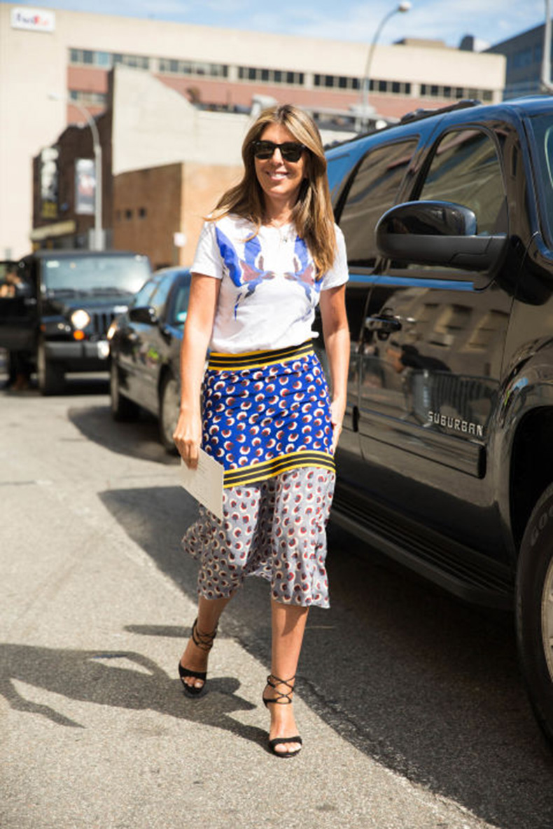 fall-patchwork-boho-prints-graphic-tee-summer-to-fall-dressing-transitional-dressing-fall-work-outfit-mixed-prints-midi-skirt-nyfw-cosmo-nina-garcia