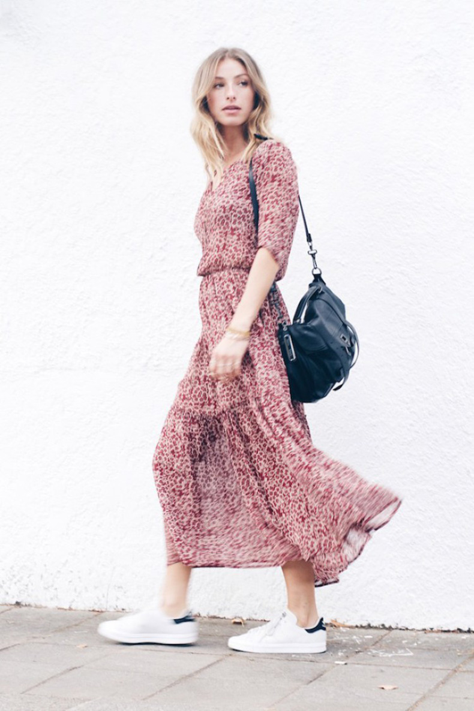 floral_dress_sneakers_street_style_ulla_johnson