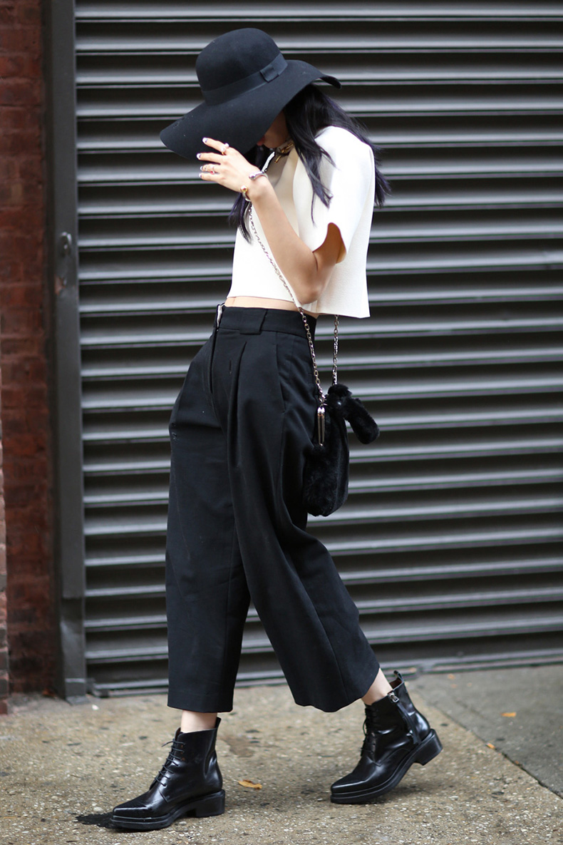 how-to-wear-a-crop-top-outfit-04