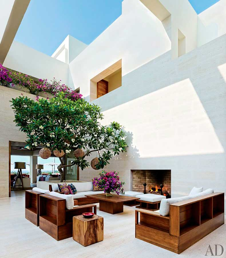 inside-george-clooney-and-cindy-crawfords-100-million-mexican-mansions-1734798-1460763528.640x0c