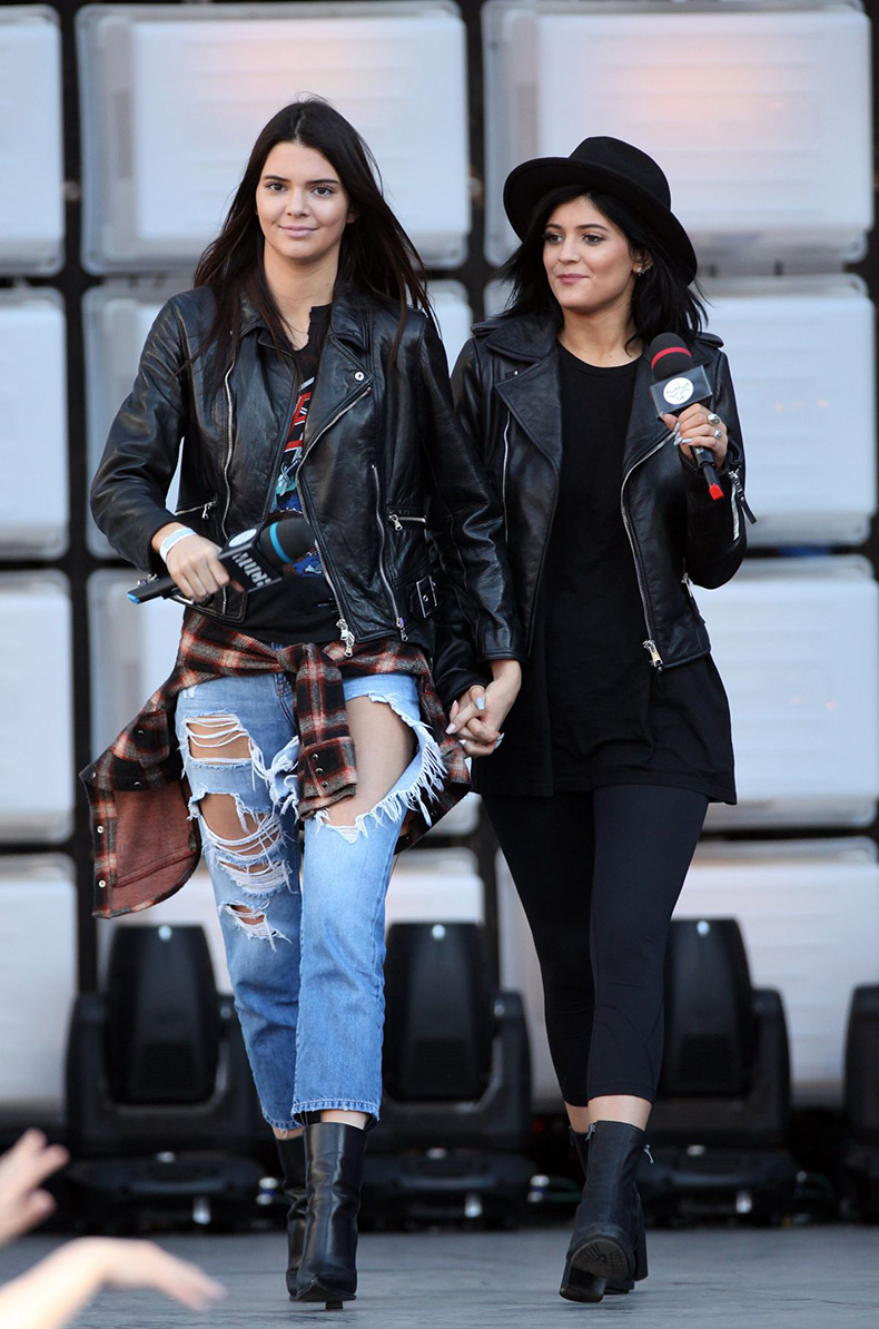 kylie-and-kendall-jenner-at-2014-muchmusic-video-awards-rehearsals-in-toronto-_6