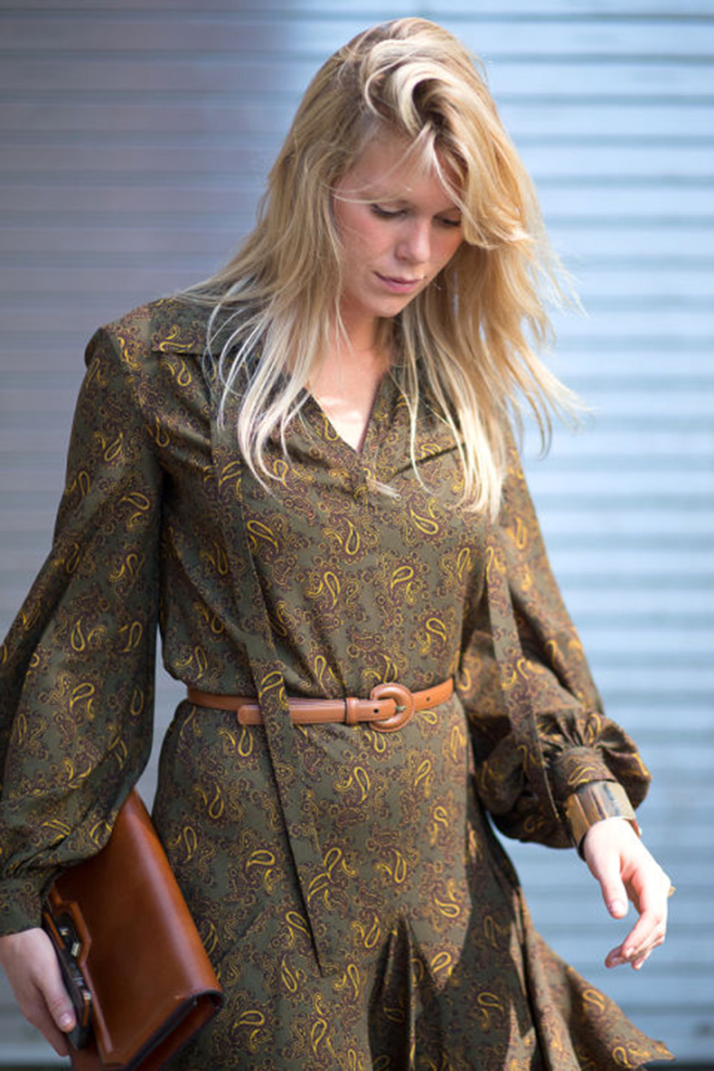 nyfw-via-hbz-fall-boho-prints-boho-dress-tie-front-dress-belt-tan-caramel-leather-paisley-green-fall-colors-mini-dress-alexandra-richards-v
