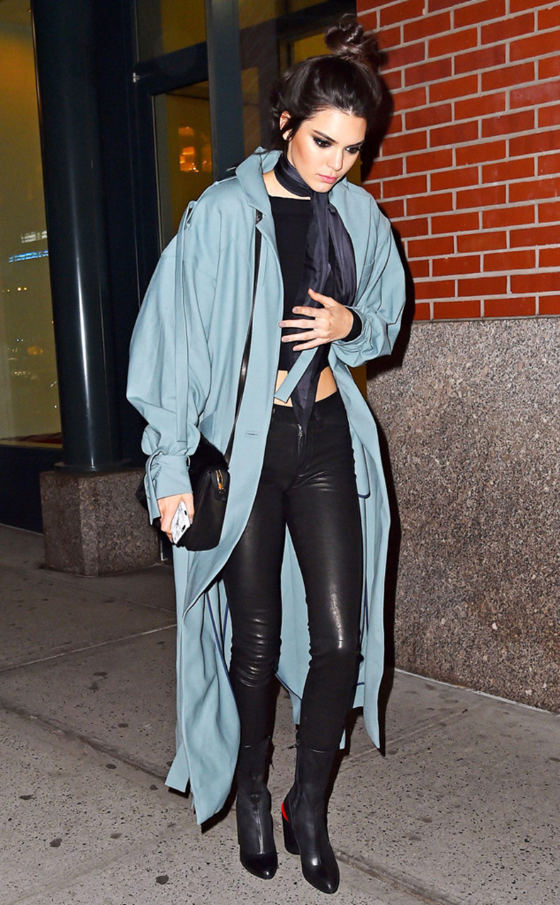 rs_634x1024-160322191129-634.Kendall-Jenner-Top-Knot-NYC.ms.032216