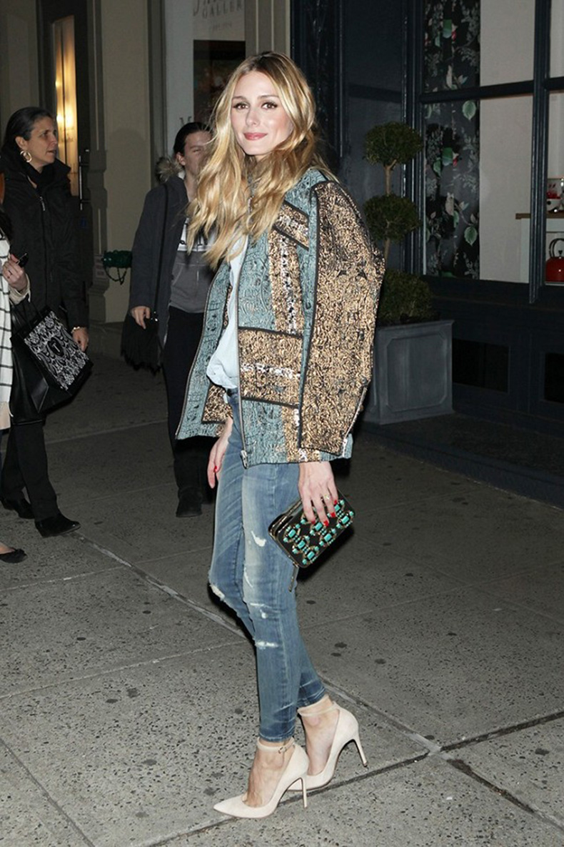 the-power-pieces-celebs-wear-to-look-good-in-photographs-1723890-1460052134.640x0c