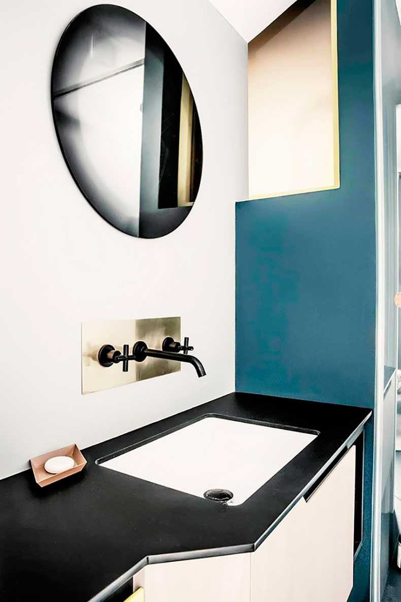 this-neat-trick-makes-your-room-look-bigger-and-chic-1731594-1460589753.640x0c