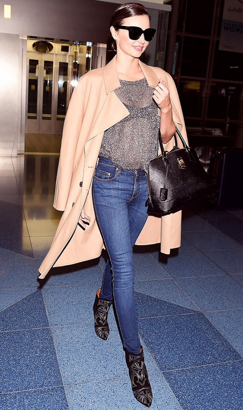 tk-things-models-always-wear-to-the-airport-1715676-1459440490.640x0c