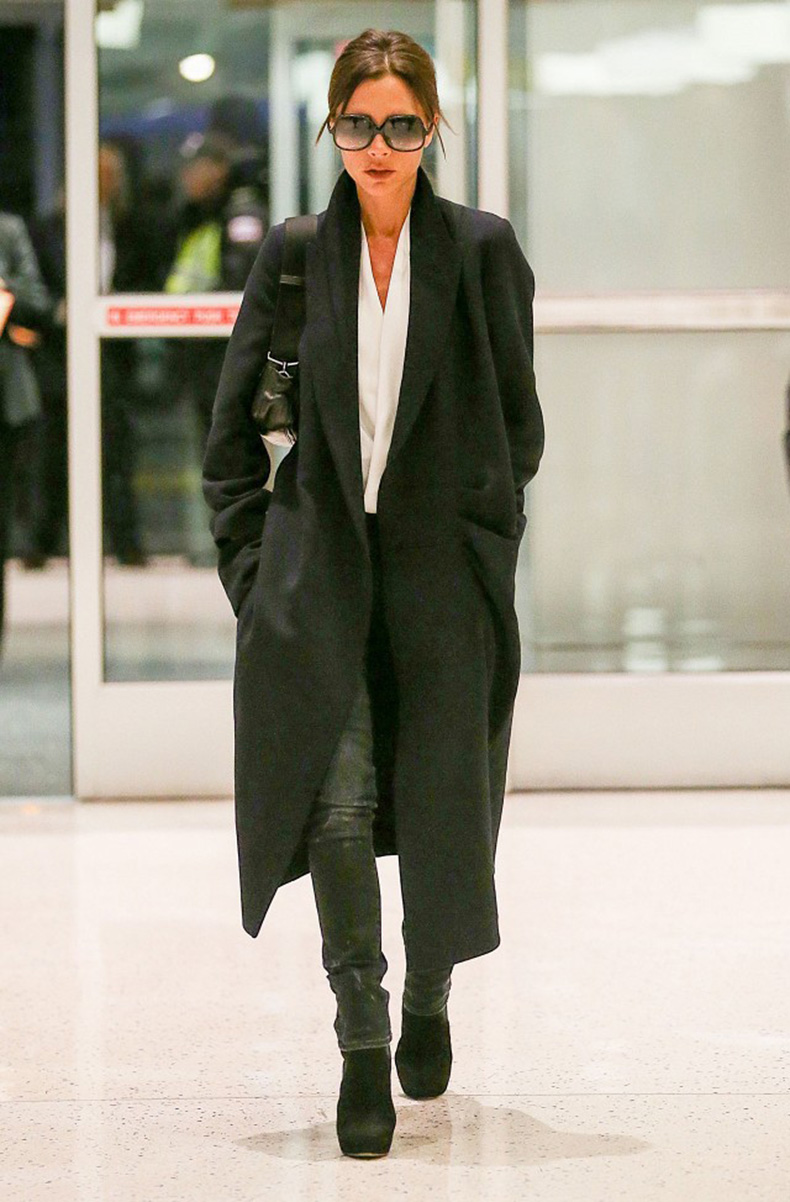 victoria-beckham-just-won-an-award-for-her-airport-style-1748704-1461790902.640x0c
