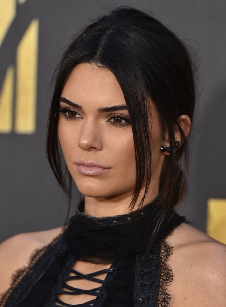 BURBANK, CA - APRIL 09:  Model Kendall Jenner arrives at the 2016 MTV Movie Awards at Warner Bros. Studios on April 9, 2016 in Burbank, California.  (Photo by Axelle/Bauer-Griffin/FilmMagic)