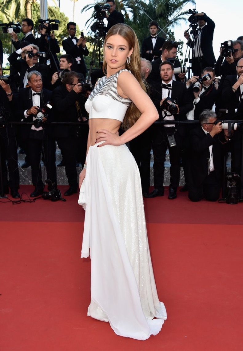 Adele-Exarchopoulos-bared-her-stomach-Louis-Vuitton-crop-top-set