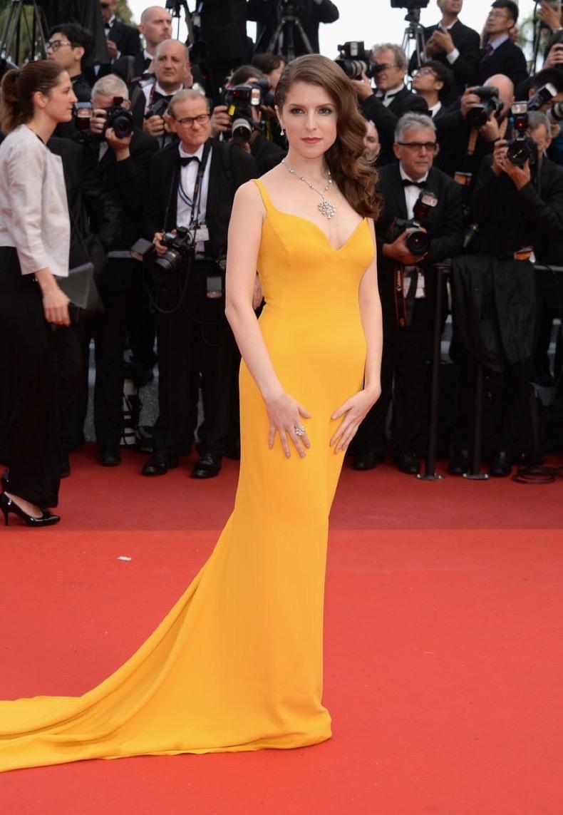 Anna-Kendrick-wore-brilliant-yellow-Stella-McCartney-gown