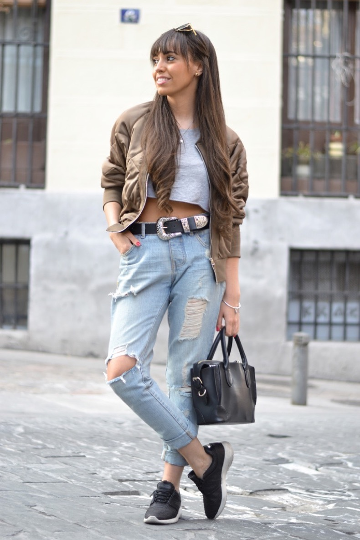 Bomber-jacket_street-style_crop-top_pandora1