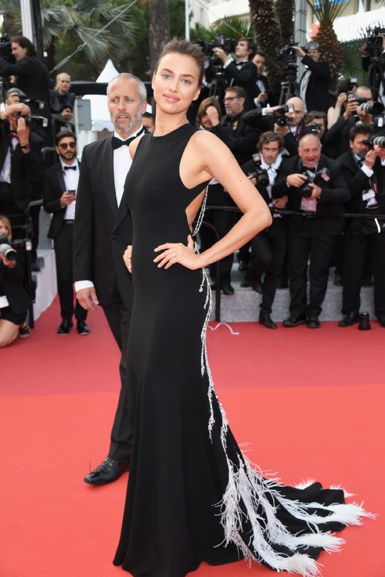 Irina-Shayk-wore-feather-trimmed-gown-Unknown-Girl